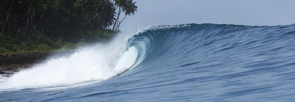 SURFING IN HINAKOS ISLANDS