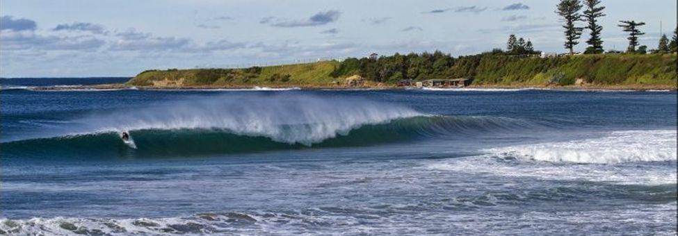 SURFING IN ILLAWARRA