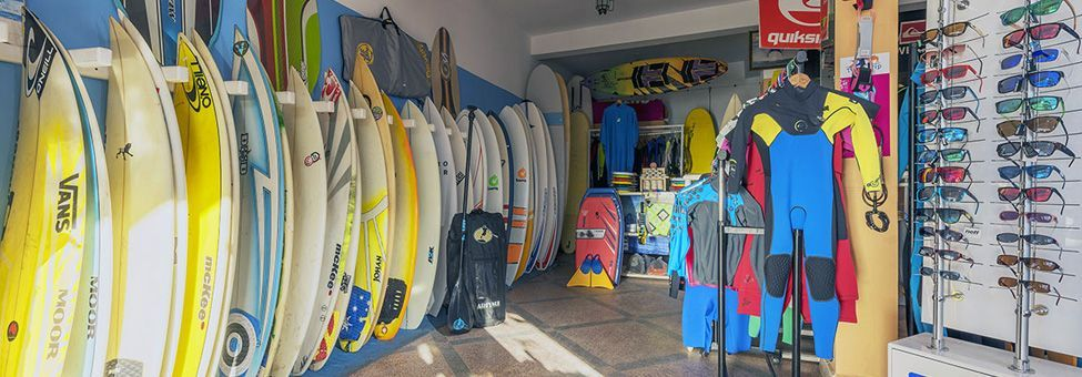 SURF EQUIPMENT RENTAL IN MIRLEFT